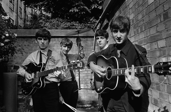 © Terry O'Neill - The Beatles,  Backyard, London 1963 - Courtesy Eduard Planting Gallery