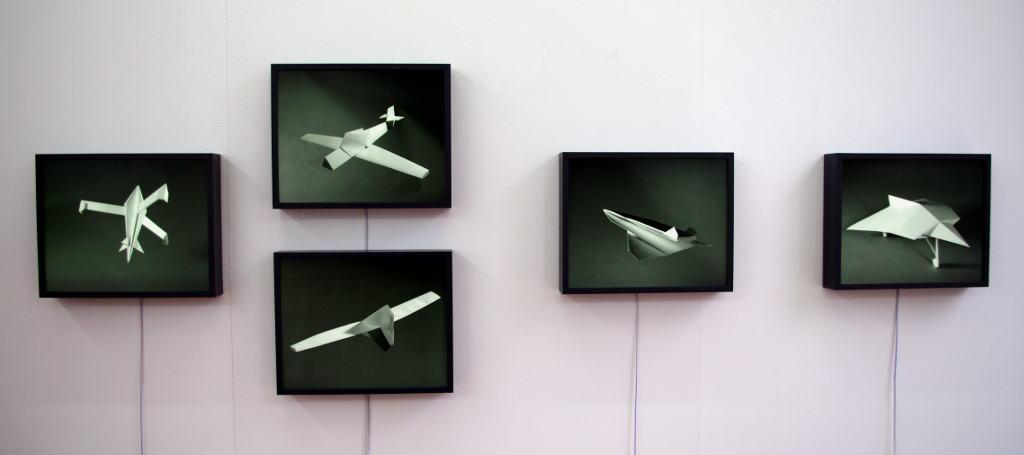 Expositiebeeld 'Paper Planes' Foto: Gallerij LhGWR.