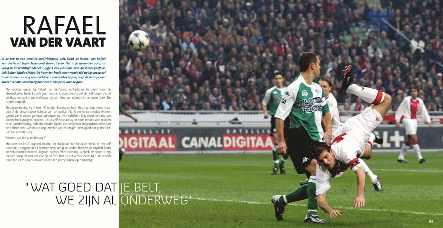 Foto Stanley Gontha - hakbal Rafael van der Vaart (wedstrijd Ajax- Feyenoord, seizoen 2003 - 2004) - 'Goal van het jaar'