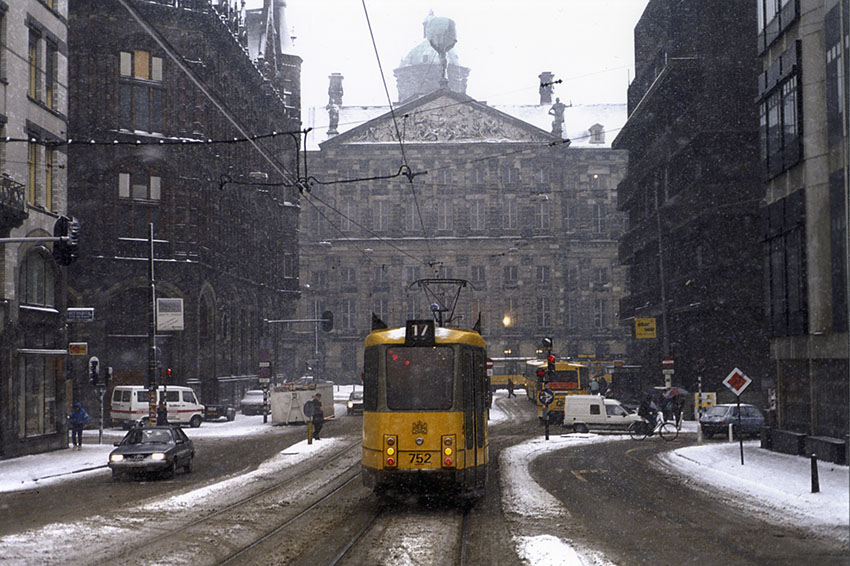 Aloys_Ginjaar-Winter_in_Amsterdam