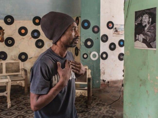 De Vlaamse Magnum fotograaf Carl de Keyzer heeft op BredaPhoto zijn eerste museale tentoonstelling van zijn nieuwste project Cuba, La Lucha. Dit project laat de huidige transitie zien van een communistisch naar een kapitalistisch Cuba.